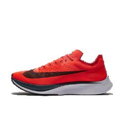 Беговые кроссовки унисекс Nike Zoom Vaporfly 4%Беговые кроссовки унисекс Nike Zoom Vaporfly 4% с превосходной инновационной системой амортизации — самая эффективная и скоростная в истории Nike модель для марафона. БегуныГален Рапп (2:09:20, Чикаго) и Эдна Киплагат (2:21:52, Бостон) одержали победу на двух крупнейших забегах 2017 года в кроссовках Nike Zoom Vaporfly 4%.  Мощная амортизация  Новая ультралегкая подошва Nike ZoomX из пеноматериала обеспечивает максимальный возврат энергии, помогая достичь цели.Чтобы сделать кроссовки максимально легкими ибыстрыми, дизайнеры оставили большую часть пеноматериала на подошве открытым. Постепенный износ открытой части — нормальный ожидаемый процесс, который не снижает функциональность модели.  Энергия для отталкивания  Легкий супинатор из углеродного волокна во всю длину стопы создает дополнительный импульс, помогая быстрее достичь финишной черты.  Легкость и поддержка  Почти бесшовный цельных верх из материала Flymesh повышает циркуляцию воздуха для охлаждения на любой дистанции.<br>