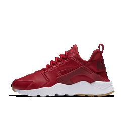 Женские кроссовки Nike Air Huarache Ultra SIЖенские кроссовки Nike Air Huarache Ultra SI — это обновленная версия оригинальной модели с верхом из мягкой кожи и текстиля для комфорта на каждый день.<br>