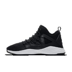 Мужские кроссовки Jordan Formula 23Мужские кроссовки Jordan Formula 23, созданные на основе модели Air Jordan X, превращают классическую модель в воплощение современного стиля Jordan с минималистичной конструкциейи невероятно удобной посадкой.  Легкость и воздухопроницаемость  Сетка обеспечивает вентиляцию и комфорт за пределами площадки.  Поддержка при каждом шаге  Эластичные шнурки как у модели Air Jordan X обхватывают стопу, обеспечивая удобную надежную посадку. Защитный слой по периметру соединен с системой шнуровки для поддержки на весь день.  Мягкая амортизация  Легкий пеноматериал создает мягкую амортизацию при каждом шаге.<br>
