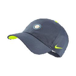 Бейсболка с застежкой Inter Milan H86Бейсболка Inter Milan H86 с классической конструкцией из шести панелей и регулируемой застежкой сзади обеспечивает удобную посадку.<br>