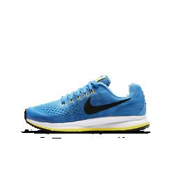 Беговые кроссовки для школьников Nike Zoom Pegasus 34Беговые кроссовки для школьников Nike Air Zoom Pegasus 34 обеспечивают упругую амортизацию, комфорт и надежную фиксацию стопы, помогая развивать потрясающую скорость во время ежедневных пробежек и важных соревнований.  Мгновенная амортизация  Вставка Nike Zoom Air в области пятки обеспечивает пружинящую амортизацию, позволяя пересекать финишную черту на максимальной скорости.  Надежная посадка  Легкая дышащая сетка и нити Flywire обеспечивают плотную посадку, повторяя естественные движения стопы.  Комфорт при беге  Уникальный канал на подошве делает движения более плавными и комфортными на треке, пересеченной местности и на улице.<br>