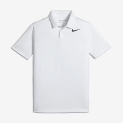 Рубашка-поло для гольфа для мальчиков школьного возраста Nike VictoryРубашка-поло для гольфа для мальчиков школьного возраста Nike Victory из мягкой влагоотводящей ткани обеспечивает комфорт во время игры и на каждый день.<br>