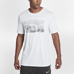 Мужская футболка Nike DryМужская футболка Nike Dry из влагоотводящей ткани с удлиненной сзади нижней кромкой обеспечивает комфорт и защиту.<br>