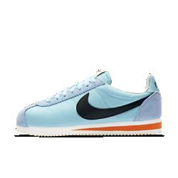 Женские кроссовки Nike Classic Cortez Nylon PremiumЖенские кроссовки Nike Classic Cortez Nylon Premium возрождают первую беговую модель Nike с классическим минималистичным дизайном в культовой версии для городских улиц.<br>