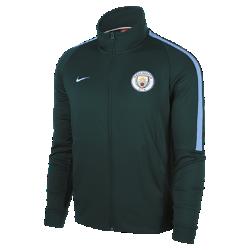 Мужская куртка Manchester City FC Authentic N98Мужская куртка Manchester City FC Authentic N98 обеспечивает тепло и комфорт благодаря прочной ткани и воротнику-стойке с молнией до подбородка.<br>