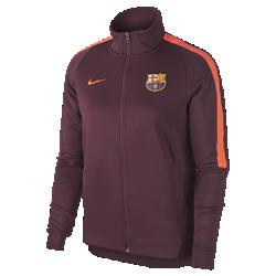Женская куртка FC Barcelona Authentic N98Женская куртка FC Barcelona Authentic N98 обеспечивает комфорт и защиту от холода благодаря прочной ткани и воротнику-стойке с молнией до подбородка.<br>