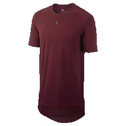 Мужская футболка Nike SportswearМужская футболка Nike Sportswear с удлиненной нижней кромкой обеспечивает комфорт и защиту.<br>
