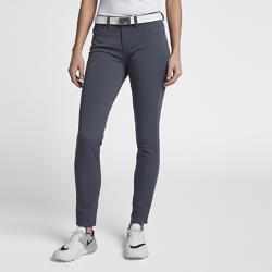 Женские брюки из тканого материала для гольфа Nike DryЖенские брюки для гольфа Nike Dry из эластичного влагоотводящего тканого материала обеспечивают комфорт и свободу движений во время игры.<br>