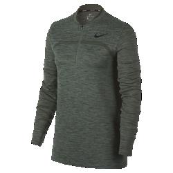 Женская футболка для гольфа с молнией до середины груди Nike DryЖенская футболка для гольфа Nike Dry из влагоотводящей ткани с молнией до середины груди и почти бесшовной конструкцией обеспечивает комфорт во время игры.<br>