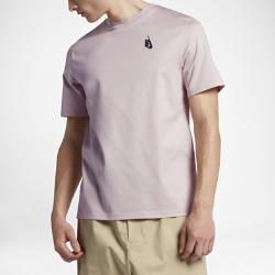 Мужская футболка NikeLab EssentialsМужская футболка NikeLab Essentials идеально сочетается с другой одеждой, но ее можно носить и отдельно.<br>