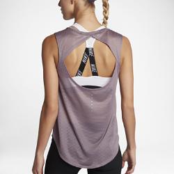 Женская беговая майка Nike BreatheСозданная для самых интенсивных нагрузок женская беговая майка Nike Breathe из мягкой влагоотводящей сетки обеспечивает охлаждение и комфорт от старта до финиша.<br>