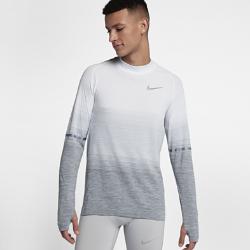 Мужская беговая футболка с длинным рукавом Nike Dri-FIT KnitМужская беговая футболка с длинным рукавом Nike Dri-FIT Knit обеспечивает непревзойденный комфорт благодаря практически бесшовной конструкции. Более открытое плетение включевых зонах усиливает циркуляцию воздуха, обеспечивая комфортное охлаждение и помогая полностью сосредоточиться на беге.<br>