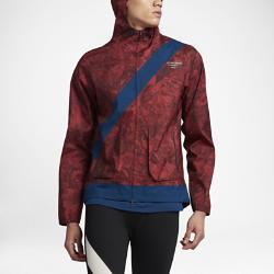 Мужская беговая куртка NikeLab Gyakusou Camo LeafМужская беговая куртка NikeLab Gyakusou Camo Leaf защищает от дождя, ветра и снега, позволяя полностью сконцентрироваться на беге. Джун Такахаши берет за основу уникальный дизайн Gyakusou и дополняет его графикой с лиственной тематикой в технике сублимационной печати в цветах, навеянных Токио.<br>