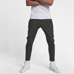 Мужские брюки Nike Sportswear BondedМужские брюки Nike Sportswear Bonded с анатомическим кроем из мягкой ткани обеспечивают комфорт и свободу движений.<br>