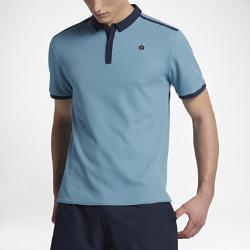Мужская теннисная рубашка-поло NikeCourt x RFМужская теннисная рубашка-поло NikeCourt x RF — это функциональность и комфорт в усовершенствованном силуэте. Для звезды тенниса Роджера Федерера важны детали, поэтомуздесь учтены все особенности движения и внесены первоклассные фирменные штрихи.<br>