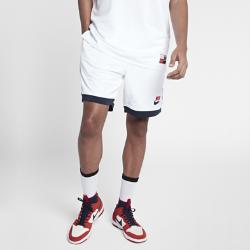 Мужские шорты Nike SBМужские шорты Nike SB из коллекции Nike SB Classic Court созданы в баскетбольном стиле для катания на скейтборде. Дышащая влагоотводящая ткань обеспечивает охлаждение и комфорт. Легендарный силуэт посвящен баскетбольной команде 90-х, которая одержала триумфальную победу в Барселоне.<br>