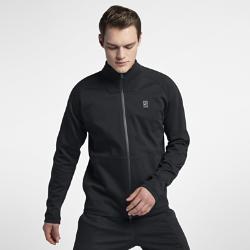 Мужская теннисная куртка NikeCourtМужская теннисная куртка NikeCourt из мягкой ткани джерси двойного переплетения обеспечивает комфорт и свободу движений во время игры.<br>