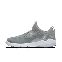 Мужские кроссовки для тренинга Jordan Trainer EssentialМужские кроссовки для тренинга Jordan Trainer Essential из дышащего материала с ремешком, поддерживающим стопу, и мягкой амортизацией обеспечивают абсолютный комфорт.<br>