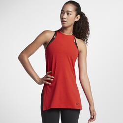 Женская майка для тренинга NikeЖенская майка для тренинга Nike из влагоотводящей ткани с глубокими разрезами по бокам обеспечивает охлаждение и комфорт во время тренировки.<br>