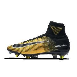 Футбольные бутсы для игры на мягком грунте Nike Mercurial Superfly V Dynamic Fit SG-PRO Anti-ClogФутбольные бутсы для игры на мягком грунте Nike Mercurial Superfly V Dynamic Fit SG-PRO Anti-Clog обеспечивают отличную посадку, превосходное касание мяча и потрясающее сцепление с поверхностью, позволяя развивать максимальную скорость на поле.  ТЕХНОЛОГИЯ ANTI CLOG TRACTION  Инновационный материал активируется при влажных условиях, не давая грязи скапливаться на шипах и подошве, поэтому бутсы остаются легкими, а сцепление — оптимальным.  КОНСТРУКЦИЯ FLYKNIT  Инновационный материал Flyknit обеспечивает фиксацию и плотную посадку. Нити Flywire объединены со шнурками для дополнительной фиксации.  ТЕХНОЛОГИЯ DYNAMIC FIT  Технология Dynamic Fit в области голеностопа обеспечивает плотную посадку и комфорт.  СИСТЕМА NIKE GRIP  Система Nike Grip внутри предотвращает скольжение стопы в бутсах.  ТРЕХМЕРНАЯ ПОДОШВА  Усовершенствованная ультралегкая трехмерная подошва повторяет форму стопы, помогая развить взрывную скорость. Продуманное расположение шипов для быстрого старта и остановки.  ТЕХНОЛОГИЯ ACC  Технология Nike All Conditions Control (ACC) для точного контроля мяча как в сухую, так и во влажную погоду.  ТЕХНОЛОГИЯ NIKESKIN  Верх из легкой сетки с тонкой накладкой из пластиковой пленки обеспечивает фиксацию и боковую стабилизацию.<br>