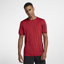 Мужская футболка для тренинга с коротким рукавом Nike BreatheМужская футболка для тренинга с коротким рукавом Nike Breathe из легкой влагоотводящей ткани обеспечивает охлаждение и комфорт.<br>