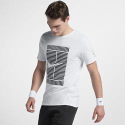 Мужская футболка NikeCourtМужская футболка NikeCourt из прочного 100% хлопка обеспечивает комфорт на весь день.<br>
