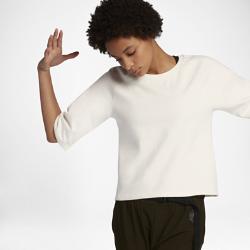 Женская футболка NikeLab Essentials FleeceЖенская футболка NikeLab Essentials Fleece из эластичной флисовой ткани со свободным кроем обеспечивает комфорт на каждый день.  УЮТ И МЯГКОСТЬ  Эластичный флис на основе смесового хлопка обеспечивает комфорт, сохраняя тепло в холодную погоду.  СВОБОДА ДВИЖЕНИЙ  Рукава покроя реглан для современного стильного силуэта и свободы движений.  ПОДРОБНЕЕ  Воротник из рубчатой ткани Состав: 97% хлопок/3% спандекс Машинная стирка Импорт ПОВСЕДНЕВНЫЙ КОМФОРТ  Женская футболка NikeLab Essentials Fleece из эластичной флисовой ткани со свободным кроем обеспечивает комфорт на каждый день.  УЮТ И МЯГКОСТЬ  Эластичный флис на основе смесового хлопка обеспечивает комфорт, сохраняя тепло в холодную погоду.  СВОБОДА ДВИЖЕНИЙ  Рукава покроя реглан для современного стильного силуэта и свободы движений.<br>