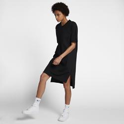Платье NikeLab EssentialsПлатье NikeLab Essentials с минималистичным свободным кроем идеально подходит для демисезонной погоды.<br>