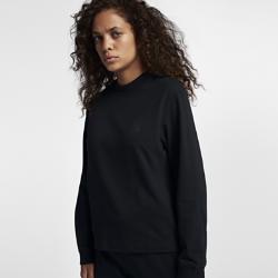 Женская футболка NikeLab Essentials Long Sleeve Mock NeckЖенская футболка NikeLab Essentials Long Sleeve Mock Neck со стандартной посадкой, высоким воротником-стойкой и заниженной линией плеча создает современный образ.<br>