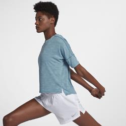 Женская беговая футболка с коротким рукавом Nike MedalistЖенская беговая футболка с коротким рукавом Nike Medalist из влагоотводящей ткани обеспечивает комфорт во время бега.<br>