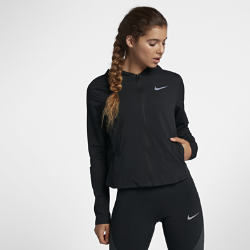 Женская беговая куртка Nike ShieldЖенская беговая куртка Nike Shield из легкого влагонепроницаемого материала защищает от непогоды.<br>