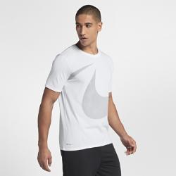 Мужская футболка для тренинга Nike Dri-FITМужская футболка для тренинга Nike Dri-FIT из влагоотводящей ткани обеспечивает комфорт во время тренировки.<br>