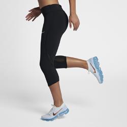 Женские беговые капри Nike Epic LuxЖенские беговые капри Nike Epic Lux из влагоотводящей компрессионной ткани обеспечивают комфорт и поддержку во время тренировки.<br>