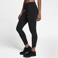 Женские укороченные тайтсы для бега Nike Epic Lux 55 смЖенские укороченные тайтсы для бега Nike Epic Lux 55 см из гладкой поддерживающей ткани Nike Power созданы для отличных результатов на пробежке. Дополнительный карман на правой штанине позволяет легко убирать и доставать телефон.  Плотная удобная посадка  Эластичная ткань Nike Power обеспечивает поддержку и свободу движений. Широкий пояс обеспечивает плотную посадку, поддерживая мышцы корпуса во время пробежки и после нее.  Удобное хранение  Карман на правой штанине отлично подходит для телефона.А задний карман на молнии защищает ценные мелочи от влаги. Плоский бегунок молнии не мешает при выполненииупражнений на спине.  Охлаждение и комфорт  Легкая дышащая ткань в нижней части штанин для циркуляции воздуха. Технология Dri-FIT отводит влагу от кожи, обеспечивая комфорт.<br>