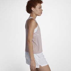 Женская беговая майка Nike MilerЖенская беговая футболка Nike Miler обеспечивает комфорт на всей дистанции. Влагоотводящая ткань обеспечивает вентиляцию, а ультрадышащая конструкция — охлаждение для абсолютного комфорта на протяжении всей пробежки.  Отведение влаги  Технология Dri-FIT обеспечивает прохладу и комфорт, выводя влагу на поверхность ткани, где она быстро испаряется.  Охлаждение  Вставки из сетки сзади и спереди отводят излишки тепла для охлаждения, даже если ты берешь рюкзак на пробежку или носишь его в течение всего дня.  Комфорт  Т-образная конструкция спины не сковывает движения рук и создает ощущение легкости и комфорта.<br>