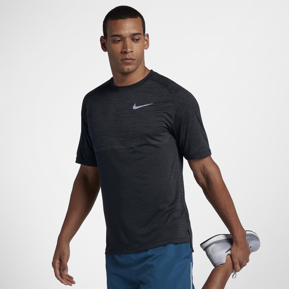 <ナイキ(NIKE)公式ストア> ナイキ Dri-FIT メダリスト メンズ ショートスリーブ ランニングトップ 891427-060 ブラック ★30日間返品無料 / Nike+メンバー送料無料
