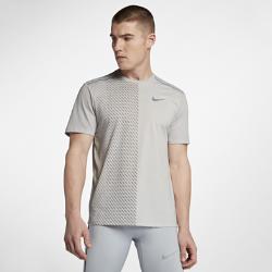 Мужская беговая футболка с коротким рукавом Nike TailwindМужская беговая футболка Nike Tailwind из легкой влагоотводящей ткани с короткими рукавами из сетки обеспечивает охлаждение и комфорт.<br>