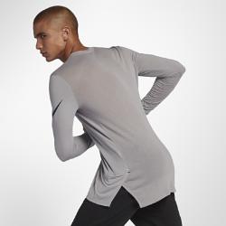 Мужская баскетбольная футболка с длинным рукавом Nike Breathe EliteМужская баскетбольная футболка с длинным рукавом Nike Breathe Elite из дышащей влагоотводящей ткани обеспечивает комфортное охлаждение во время игры.<br>