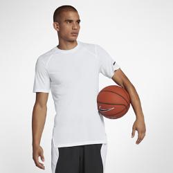 Мужская баскетбольная футболка с коротким рукавом Nike Breathe EliteМужская баскетбольная футболка с коротким рукавом Nike Breathe Elite из дышащей влагоотводящей ткани обеспечивает комфортное охлаждение во время игры.<br>