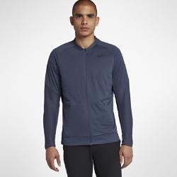Мужская куртка для гольфа Nike AeroLayerТЕПЛО ВО ВРЕМЯ ИГРЫ  Мужская куртка для гольфа Nike AeroLayer с водоотталкивающим покрытием и теплым наполнителем позволяет сосредоточиться на игре даже в плохую погоду.  Легкость и тепло  Технология Nike AeroLayer задействует легкий наполнитель для тепла на протяжении всей игры.  Отведение влаги  Трикотаж двойного переплетения с прочным водоотталкивающим покрытием обеспечивает комфорт для игры в любых условиях.  Свобода движений и комфорт  Рукава из эластичного трикотажа для свободы движений при каждом замахе.<br>
