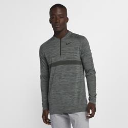 Мужская футболка для гольфа с молнией до середины груди Nike Dri-FITОТВЕДЕНИЕ ВЛАГИ И КОМФОРТ  Мужская футболка для гольфа с молнией до середины груди Nike Dri-FIT из эластичного влагоотводящего трикотажа обеспечивает комфорт в любой ситуации.  Отведение влаги  Ткань с технологией Nike Dri-FIT отводит от кожи влагу, обеспечивая комфорт  Свобода движений и комфорт  Практически не имеющая швов конструкция из легкой и эластичной трикотажной ткани позволяет ни на что не отвлекаться во время игры.  Полная концентрация  Воротник-стойка не натирает кожу и обеспечивает комфорт, позволяя полностью сконцентрироваться на игре.<br>