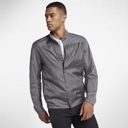 Мужская куртка для гольфа с молнией во всю длину Nike ShieldМужская куртка для гольфа с молнией во всю длину Nike Shield из легкого влагонепроницаемого материала защищает от непогоды.<br>