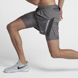 Мужские беговые шорты 2-в-1 Nike DistanceМужские беговые шорты 2-в-1 Nike Distance из эластичной ткани обеспечивают оптимальную свободу движений, а несколько карманов позволяют надежно хранить все необходимое. Идеальный выбор для пробежек в городе.<br>