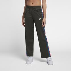 Женские брюки Nike SportswearЖенские брюки Nike Sportswear из мягкой ткани с регулируемым поясом обеспечивают оптимальный уровень комфорта.<br>