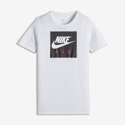 Футболка для мальчиков школьного возраста Nike SportswearФутболка для мальчиков школьного возраста Nike Sportswear из невероятно мягкого и прочного смесового хлопка обеспечивает комфорт на каждый день.<br>