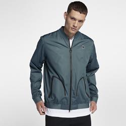 Мужская теннисная куртка NikeCourt BomberМужская теннисная куртка NikeCourt Bomber из тканого материала с влагонепроницаемым покрытием обеспечивает комфорт во время игры и на каждый день.<br>