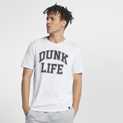 Мужская футболка Jordan Rise Dunk Life BasketballМужская футболка Jordan Rise Dunk Life Basketball из влагоотводящей ткани с фирменными деталями обеспечивает комфорт.<br>