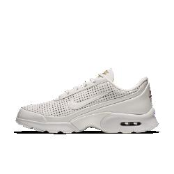 Женские кроссовки Nike Air Max Jewell Premium QSЖенские кроссовки Nike Air Max Jewell Premium QS с роскошными деталями созданы в честь захватывающей двойной победы легендарного спринтера в 2016 году.<br>