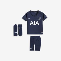 Футбольный комплект для малышей 2017/18 Tottenham Hotspur FC Stadium AwayФутбольный комплект для малышей 2017/18 Tottenham Hotspur FC Stadium Away включает джерси, шорты и носки из дышащей ткани для максимального комфорта.<br>