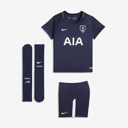 Футбольный комплект для дошкольников 2017/18 Tottenham Hotspur FC Stadium AwayФутбольный комплект для дошкольников 2017/18 Tottenham Hotspur FC Stadium Away включает джерси, шорты и гетры из дышащей ткани для максимального комфорта.<br>